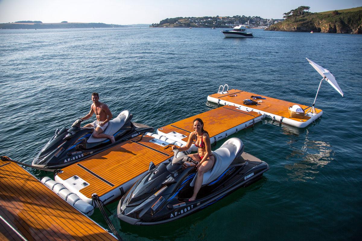 Inflatable jet ski pontoon