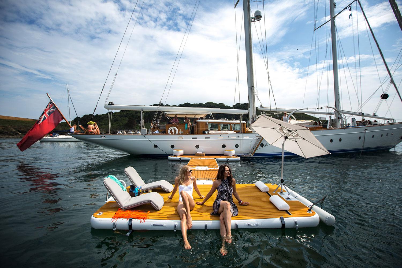 Inflatable jet ski raft